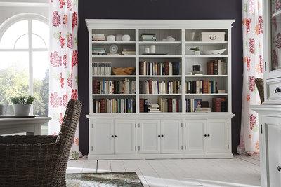 Boekenkast Wittevilla wit hout deuren en open vakken extra breed