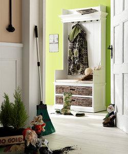 Nova solo - Kast Wittevilla wit hout met kapstok bankje en manden  sfeer